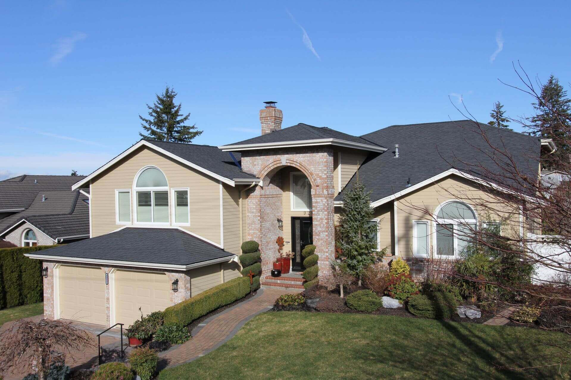 Roofer Edmonds. 45 Years - Leading Licensed Local Company. Commercial & Residential Roofers. Master Certified. Repair Shingles, Flashing, Damage & New Replacements. Emergency Services.