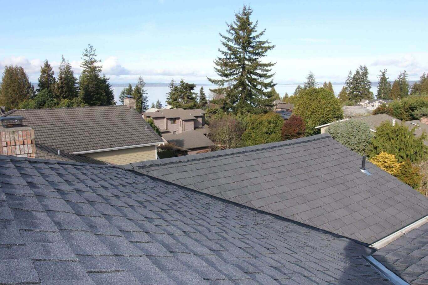 Edmonds Roofing Company. Local Licensed Emergency Water Leak Repairs and New Roof Replacements. Roofers Near Me.